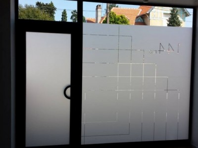 Vitrophanie studio Roussillat